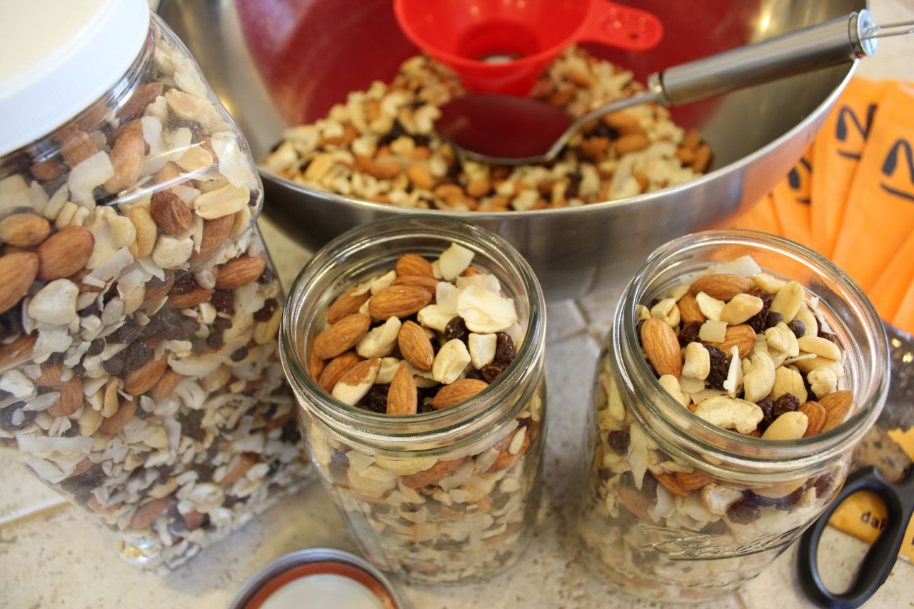 How To Make Your Own Healthy Trail Mix Recipe