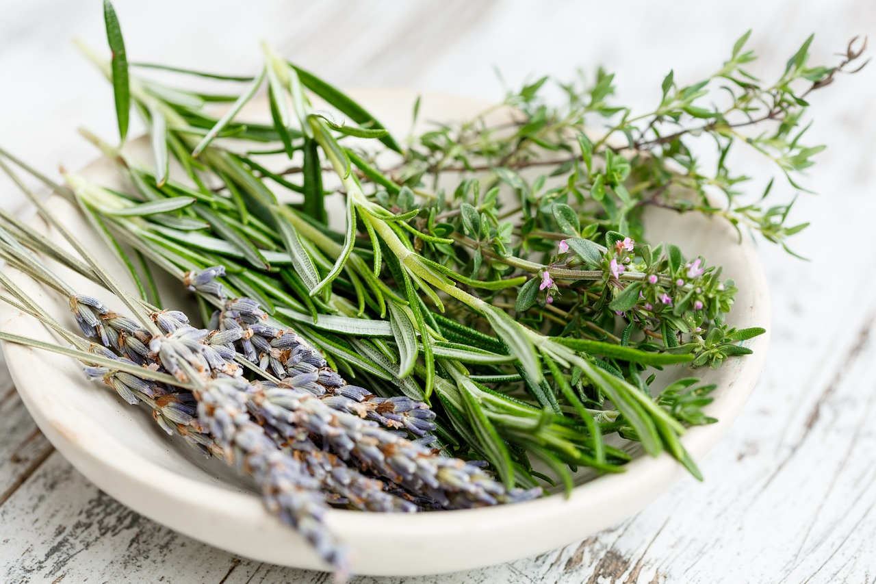 5 Ways To Use Herbs For A Scent Sational Home Diy Air Fresheners
